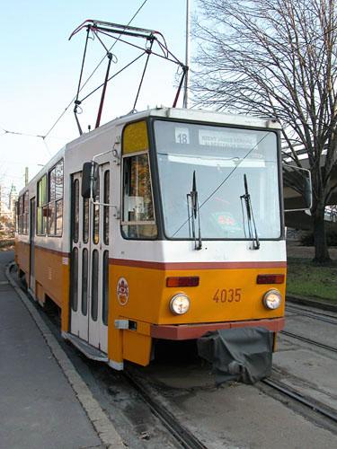 Tram #18 passes through Döbrentei Tér