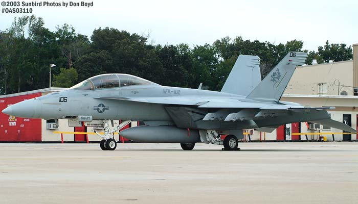 USN F/A-18 Hornet #106 VFA-102 military aviation air show stock photo #6985
