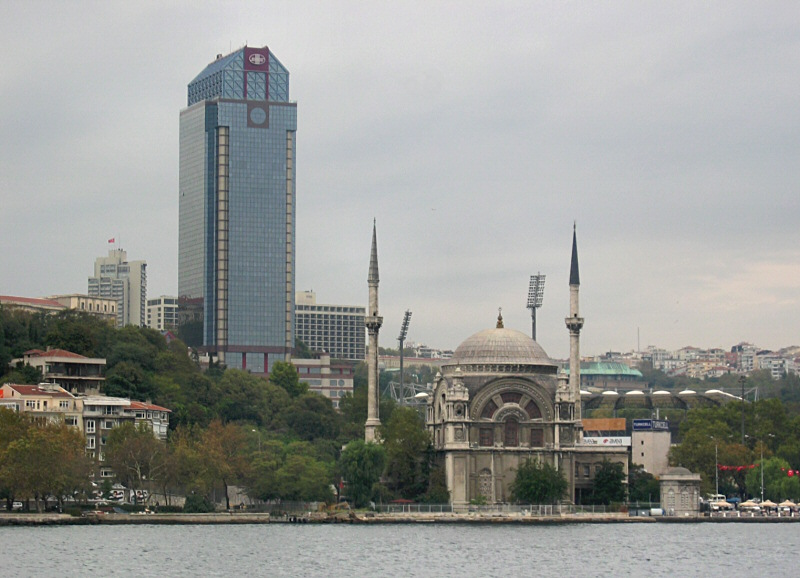 Modern thing looms over Mosque of<br>the  Dolmabahce Palace