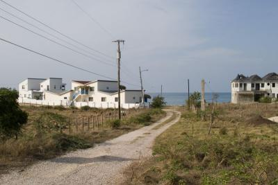 Mar Blue on left, and unfinished house apparently owned by Lloyd Honeyghan