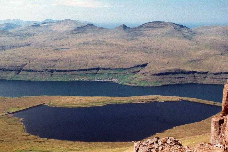 Eiðisvatn og Haldarsvik