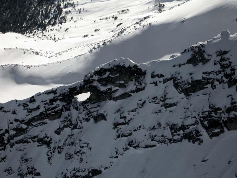 Cannon Hole, Bullet Hole: Snowfield E Ridge (Snowfield122304-19adj.jpg)
