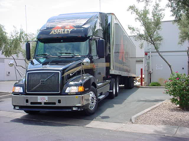 left side big rig at a store in Scottsdale Arizona