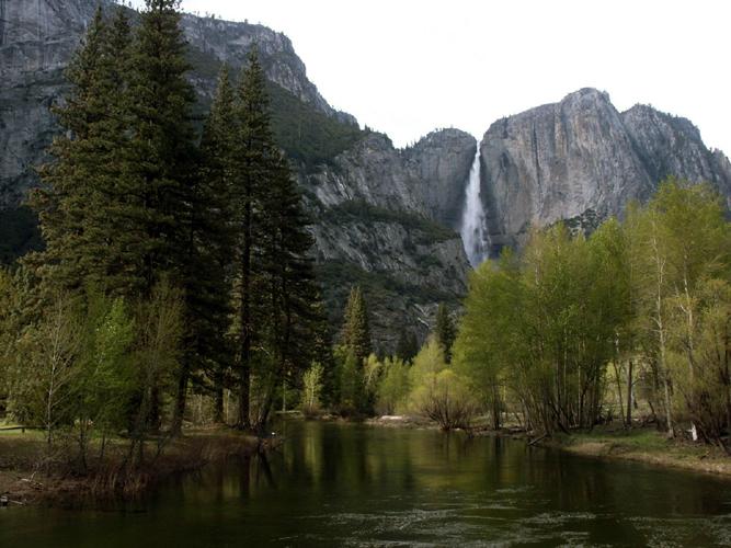 Yosemite Falls.jpg (NFS)
