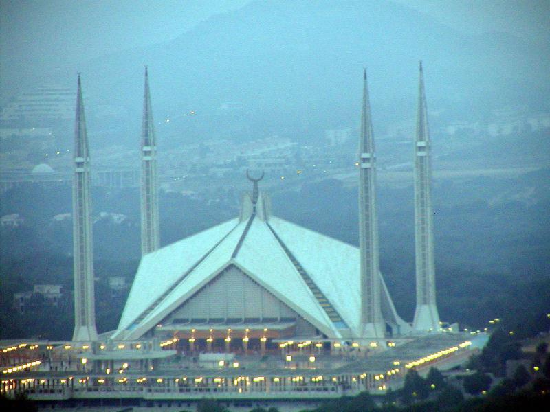 Faisal Mosque from Daman-e-Koh - 70mm