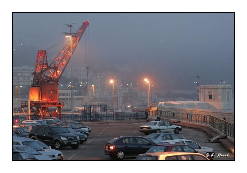 Port de Commerce dans la brume