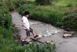 Crossing Nachal Tzipori (546a)