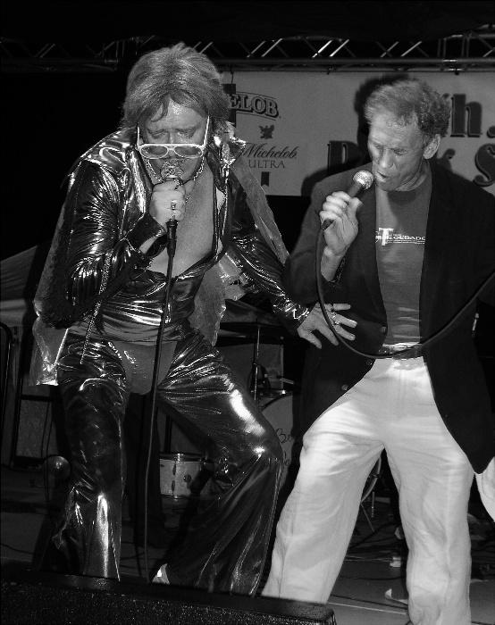 Jose Sinatra & Phil Harmonic