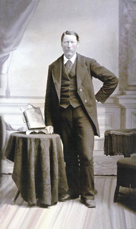 Robert Brave Bob R. Johnston, Jr. - The Courageous Constable (#19)