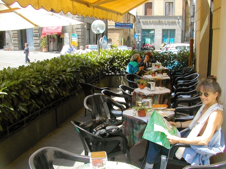 Judy  - lunch on the Piazza Republica. Piazza once was Orvietos forum - at the heart of what remains of the medieval city.