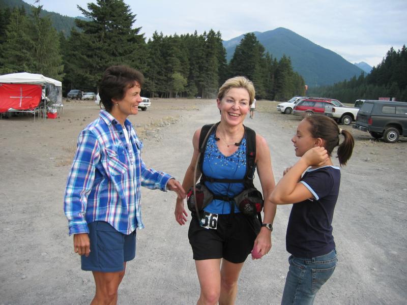 Marlis being congratulated by Janine Duplessis & Brett Ashley McCoubrey