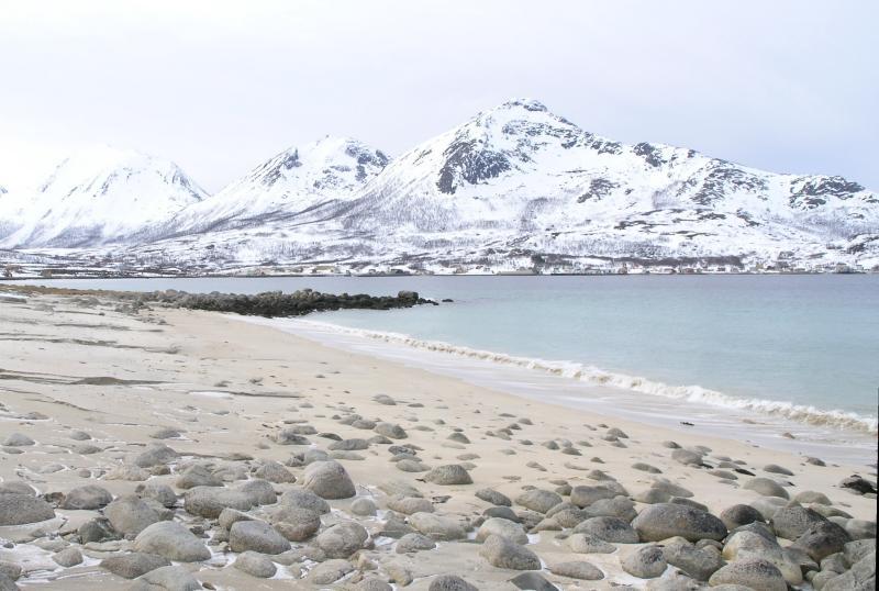Sandstrand i Grøtfjorden 3.jpg