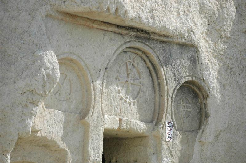 Göreme Museum Sandal Church 6918.jpg