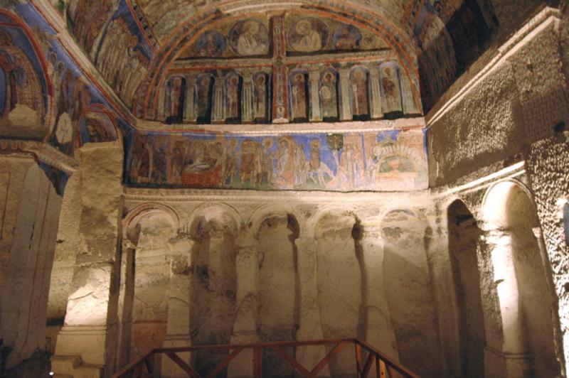 Göreme Museum Buckle Church 6927.jpg