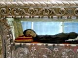 Sebastian de Aparicio's body (!)
