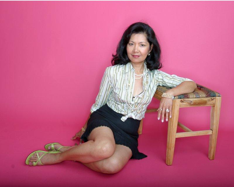 Model Sitting on Floor.jpg