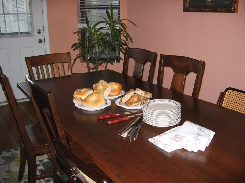 nikki sets the table for our race morning breakfast