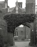 Hampton Court, Moat Lane