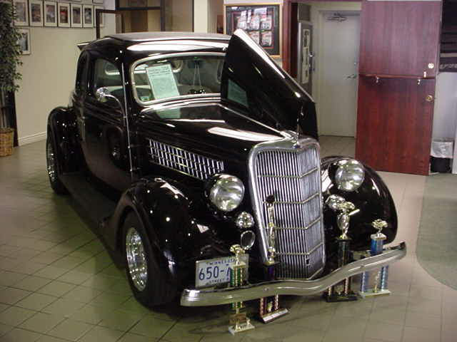 1935 Ford five window