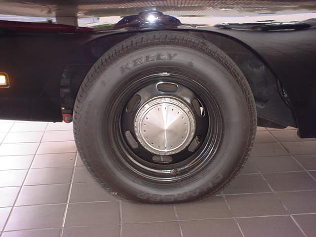 1969 Plymouth wheel