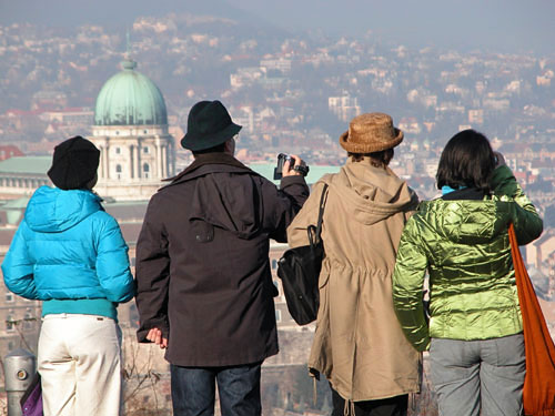 Tourists trapped at Gellért Hill