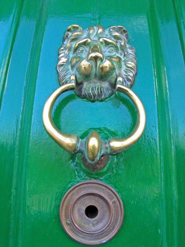 Doorknob 2.jpg