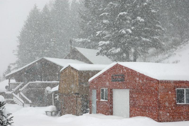 McCurdys Home in the Mountains during Snowstorm DSC_2466.jpg