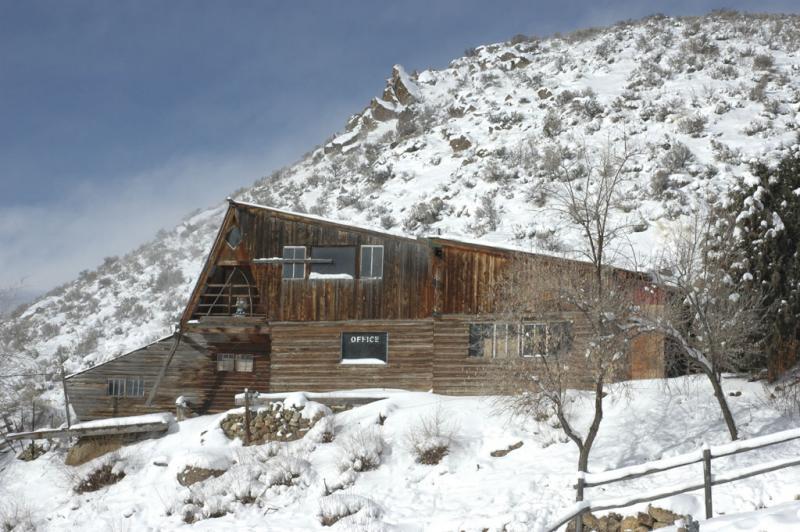 Office before Snowstorm DSC_2434.jpg