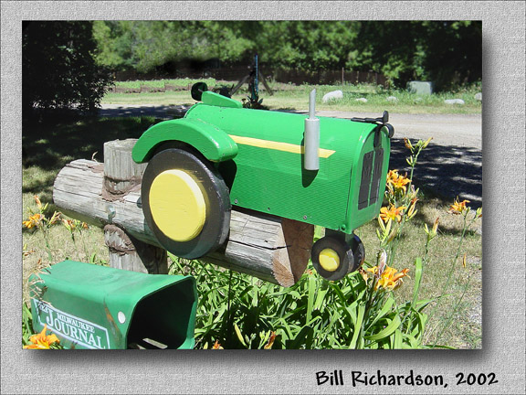 tractor mailbox w action submatting