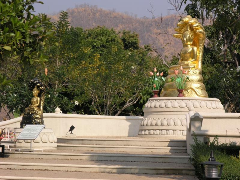 Shrine Srinakarin Dam 1