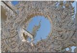 Wat Rongkhun, Chiang Rai - Dragon in the sky