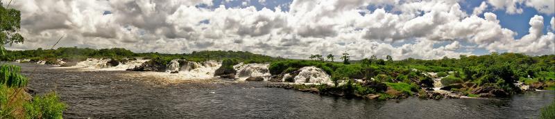 06-Apr-2005. Cachamay waterfalls pano / Panorámica de las Cascadas Cachamay