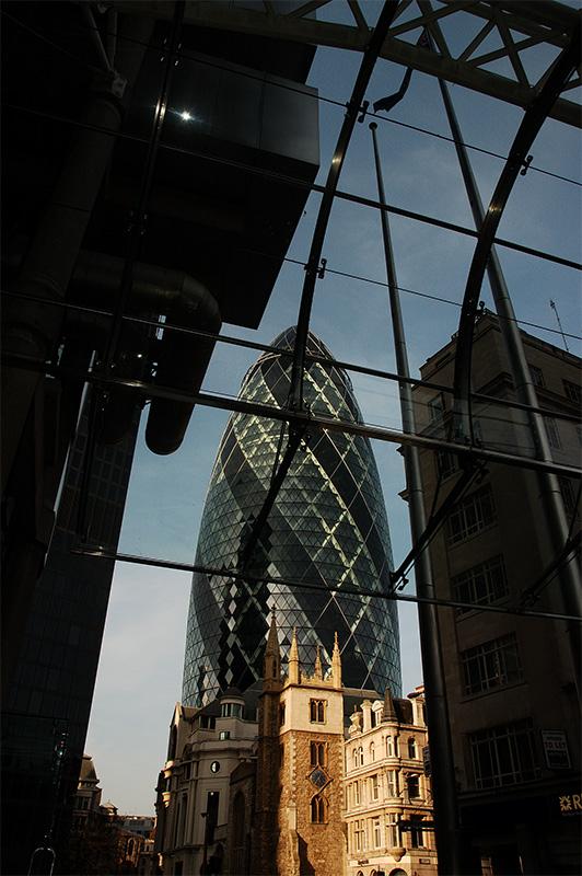 The Gerkin, Framed by Lloyds entrance