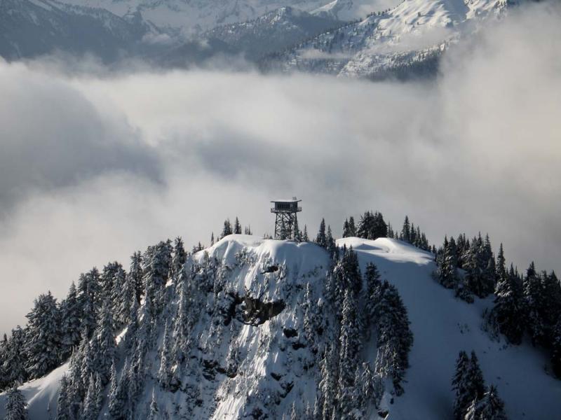 Lookout Mt <br>(LookoutMt040905-01adj.jpg)