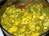 curried cauliflower with peas