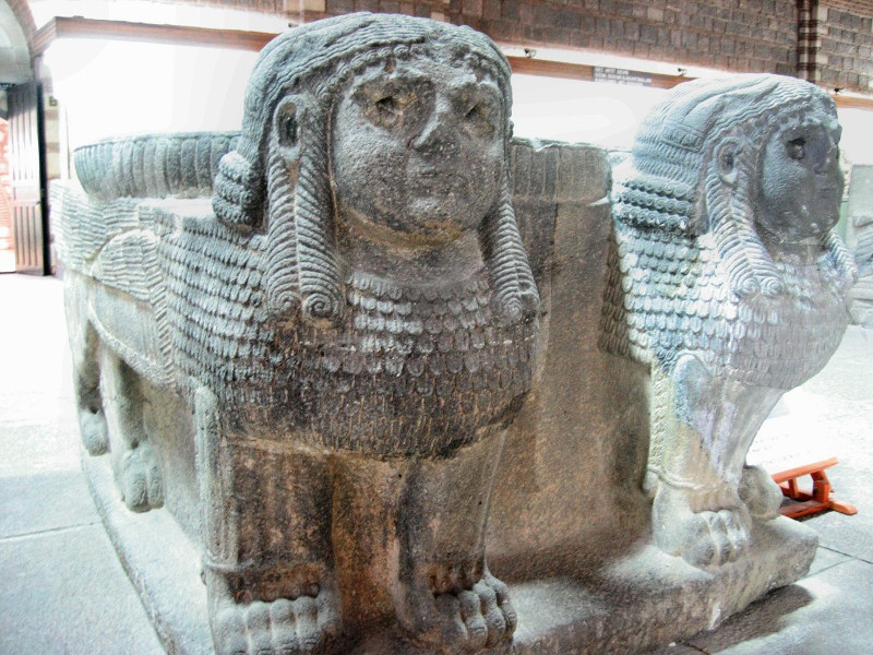 These sphinxes look a bit dubious about my taking their photo.