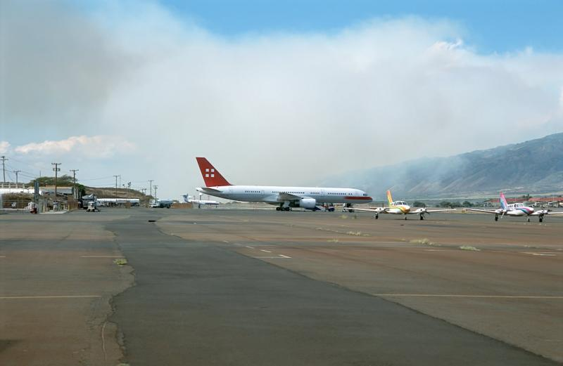 22N-03 Smoke over Kahului Airport from burning cane fields