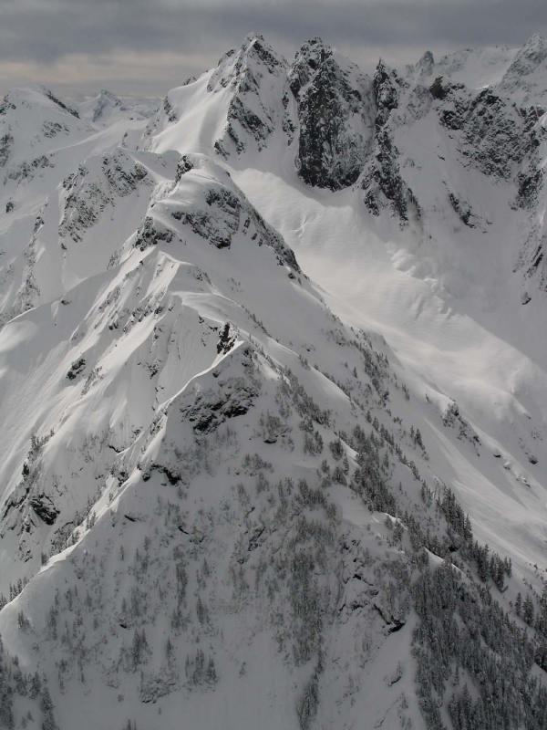 Sefrit, N Face Avalanche <br>(Sefrit041205-42adj.jpg)