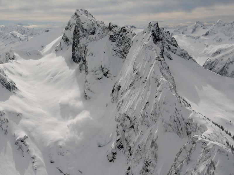 Sefrit, N Face Avalanche <br>(Sefrit041205-45adj.jpg)