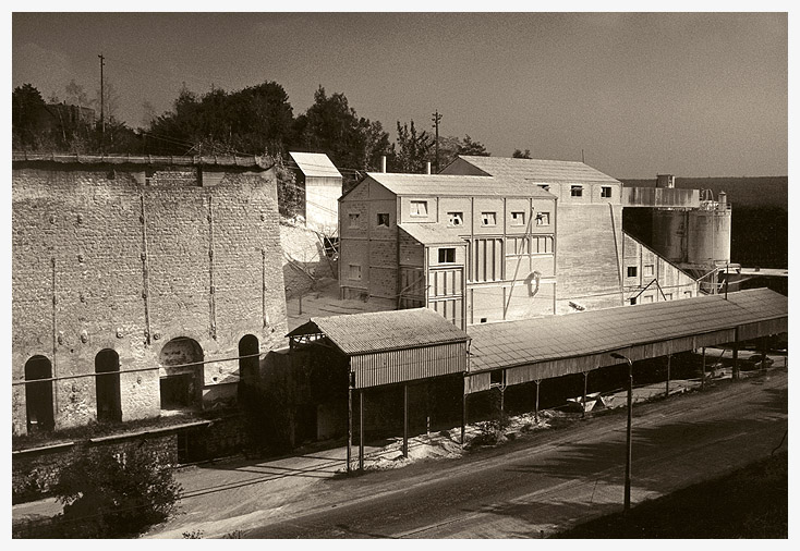 stock wit fabriek Huy lr.jpg