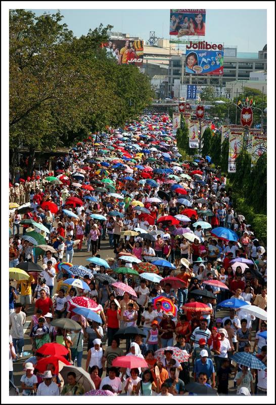 Long Crowd