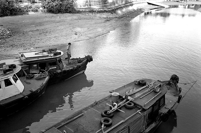 Bum Boats and Boatman