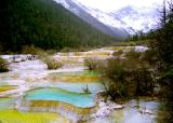 colorful water in Huanglong 2