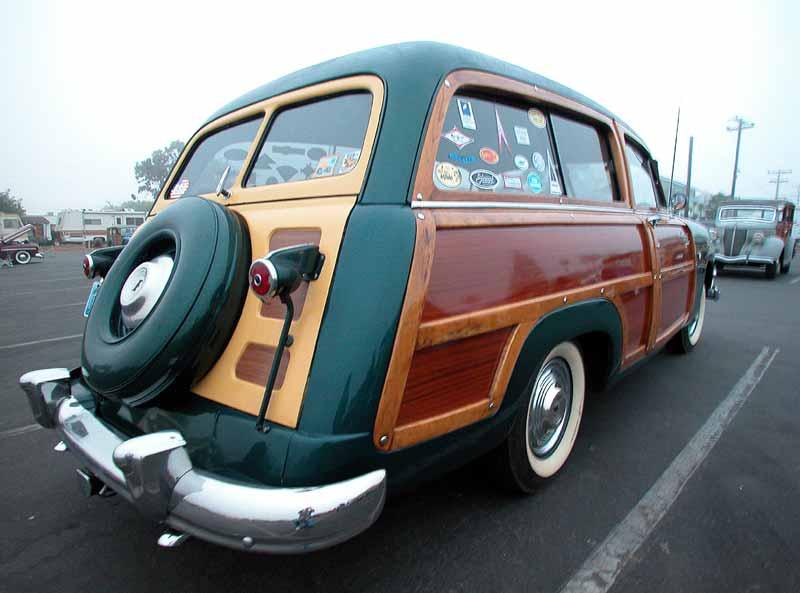 010 - 1951 Ford - Wavecrest 2002