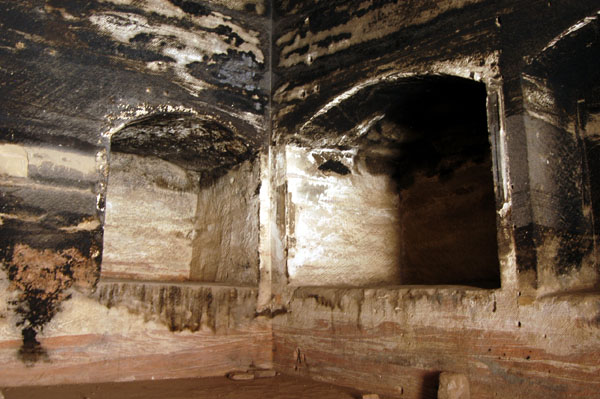 Inside the Soldiers Tomb