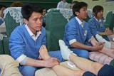 Séance de massage des pieds