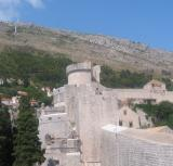 Section of the city wall in Dubrovnik.jpg