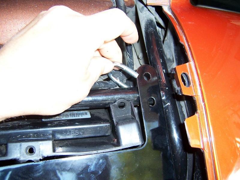 Installing U bolts around saddlebag stay