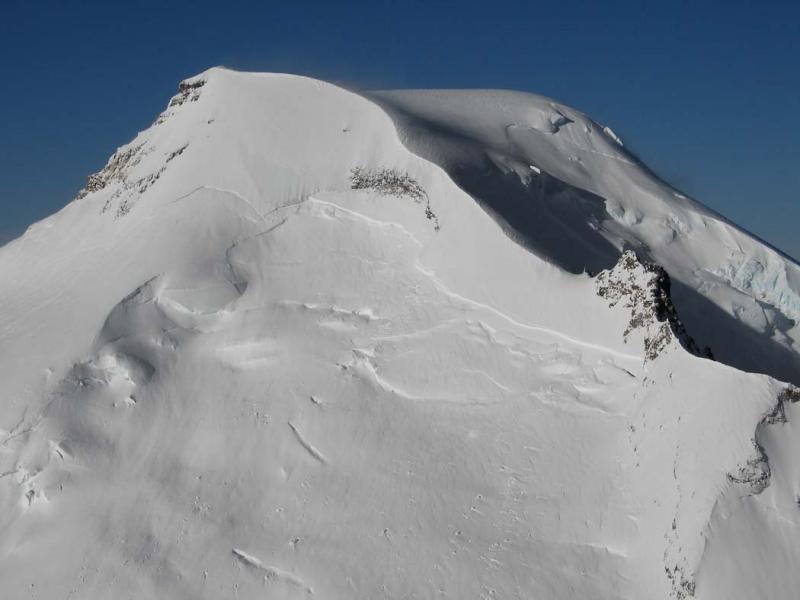 Mt Baker, Upper E Face (MtBaker041905-01adj.jpg)