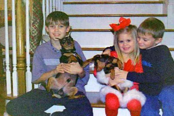 X-MAS, 04--Clayton, Emma, Noah & dogs